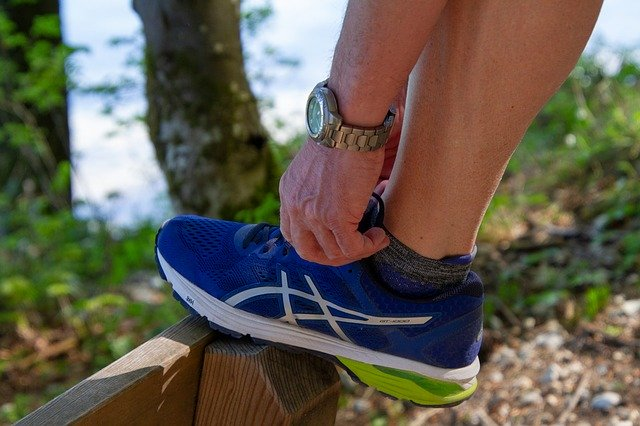 Best Shoes for Capsulitis